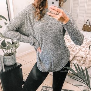 Sweaters - Olive + ivory slouchy knit thin pullover